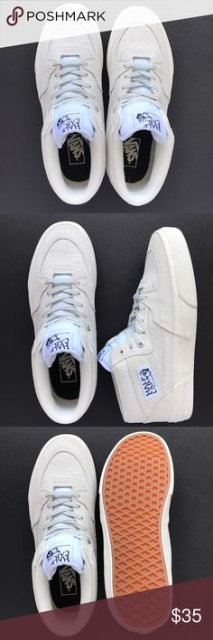 36924f71f5    NEW    Vans Half-Cab White Suede Snake    NEW    White suede snake Cans  Half-Cab. Box not included. US Size  Women s 10.5