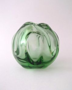 Skrdlovice Emanuel Beranek early 1950s -- green round glass vase -- Czech art glass