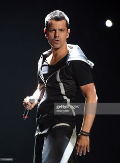 Singer Jordan Knight of New Kids on the Block performs during the kickoff of The Main Event tour at the Mandalay Bay Events Center on May 1, 2015 in Las Vegas, Nevada. DAVID ITRESCI NODERTE  💒💖💍🚑🏥👧👦