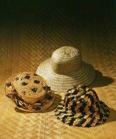Nā lauhala papale ( lauhala hats).