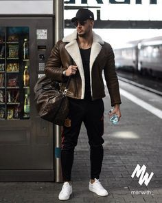 100 amazing street styles for the bold and handsome men page 39 > homemytri com is part of Sneakers men fashion - Mode Masculine, Winter Outfits Men, Trendy Outfits, Look Man, Men Street, Men Style Tips, Mode Vintage, Mens Clothing Styles, Trendy Clothing