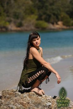 Forest Dweller Leggings are available in Black, Brown and Green. Sizing Small/Medium United States 4 to 8 Australia 8 to 12 These leggings are very comfortable. The unique corset lacing helps to adjust them also for the perfect fit. The lacing begins 7 from the top of the