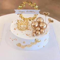 Creative Cake Decorating, Cake Decorating Videos, Creative Cakes, Cake Birthday, Happy Birthday, Fondant Cake Designs, Cute Baking, Food Snapchat, Food Platters