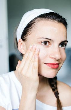 How to Get Rid of Blackheads Naturally