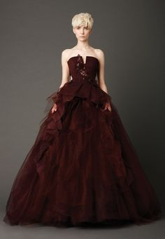 Vera Wang // burgundy red maroon marsala // wedding dress // alternative bridal gown