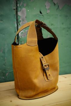 Ledertasche aus mattem Leder / shopper bag, made of leather by Ladybuq Art Studio via DaWanda.com