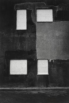vivipiuomeno1:PAULO NOZOLINO, Blinds [Persianas], Póvoa de Varzim, 2003