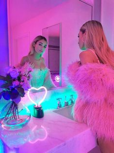 NEON pink heart indoor light | pink fur | ✦⊱ɛʂɬཞɛƖƖą⊰✦