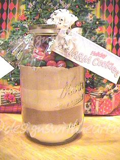 M Chocolate Cookie Mix In A Jar - I'll adjust the sugars to cup for brown and cup for white, can also use chocolate chips instead of the M's for chocolate chip cookies. Homemade Dry Mixes, Homemade Gifts, Mason Jar Mixes, Mason Jars, M M Cookies, Chip Cookies, Homemade Christmas Presents, Christmas Crafts, Mason Jar Cookies