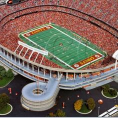 Kansas City Missouri & Kansas.... Arrowhead Stadium Football Stadiums, Nfl Football, Baseball, Cool Places To Visit, Great Places, Places Ive Been, Kansas City Missouri, Kansas City Chiefs, Independence Missouri