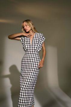 New York Fashion Week: Derek Lam Spring 2019 Collection New York Fashion, Fashion Week, Look Fashion, High Fashion, Fashion Design, Luxury Fashion, Fashion 2018, Korean Fashion, Fashion Online