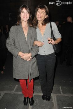 Charlotte Gainsbourg and her sister Kate Barry in Paris on 25 September 2013.
