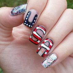 Instagram @Kells_Hotz #nails #makeup #fashion #glitter #gold #fourthofjuly #usa #america #red #white #blue