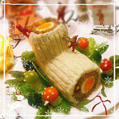 ケーキのブッシュドノエルに続きミートローフでもブッシュドノエル(笑) 次男にマッシュしてもらい作りました♪綺麗な黄色の人参もゲットしたので、茹で卵、いんげん、コーン、2色人参を巻きました♪皆さん素敵なイヴをお過ごし下さいね♪(^^)/メリークリスマス☆彡 - 316件のもぐもぐ - ブッシュドノエルのミートローフ☆彡 by macaronT