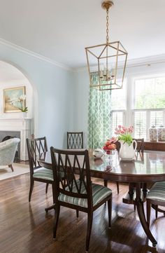 dining room | Sally Steponkus Interiors