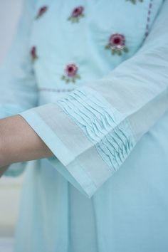 Stylish Dress Book, Stylish Dress Designs, Stylish Dresses, Sleeves Designs For Dresses, Sleeve Designs, Sewing Sleeves, Kurta Cotton, Frock Fashion, Pakistani Fashion Casual