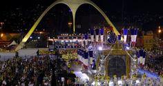 Retrouvez les photos de la seconde nuit des défilés des groupes spéciaux du Carnaval de Rio 2012. Andiara a une fois de plus brillé dans l'avenue comme destaque de char de Unidos da Tijuca. Superbe ;)Photos du défilé sur notre Facebook/carnavalderiofrDétails des défilés de:São Clement