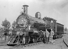 [A decorated troop train carrying soldiers from Ballarat to Geelong, Ballarat, Melbourne Victoria, Victoria Australia, Australian People, Australian Flags, Melbourne Tram, Australian Continent, Steam Railway, Old Trains, Largest Countries