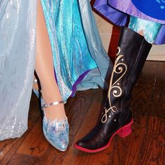 Frozen cosplay at least these Elsa shoes are better than the movie'a hideous ones