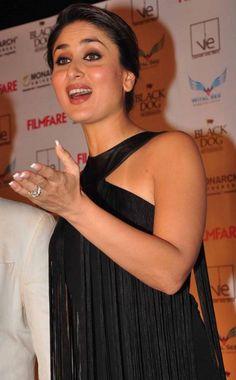 Kareena Kapoor Latest Photos In Black Dress Bollywood Actress Hot Photos, Beautiful Bollywood Actress, Most Beautiful Indian Actress, Bollywood Fashion, Kareena Kapoor Wallpapers, Kareena Kapoor Images, Kareena Kapoor Khan, Indian Celebrities, Bollywood Celebrities