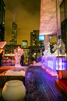 GET INSPIRED – Stunning Rooftops in Chicago - Vertigo Sky Lounge at Dana Hotel and Spa. World's Best restaurants #luxuryrealestate #exclusiveresorts #hospitalityprojects see more: http://www.brabbu.com/en/inspiration-and-ideas