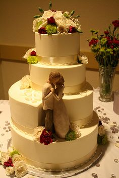 like the cake topper placement but decorated like the three tier with burlap