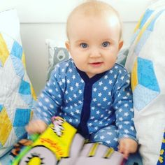 reuben sully 6 months old learning to sit up - baby boy - lylia rose parent