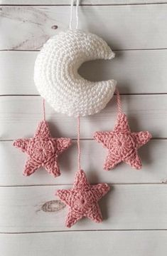 Moon and Stars Crochet Pattern Wall Hanging Crochet Wall Art, Crochet Baby Mobiles, Crochet Mobile, Crochet Wall Hangings, Crochet Home, Crochet Gifts, Free Crochet, Knit Crochet, Booties Crochet