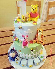 50 Winnie the Pooh Cake Design (Cake Idea) - October 2019 Winnie The Pooh Cake, Winnie The Pooh Birthday, Baby First Birthday Cake, Pool Cake, Cake Designs Images, Teddy Bear Cakes, Baby Shower Cake Pops, Cake Decorating, Ideas