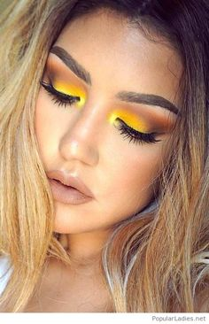 Amazing yellow eye makeup style