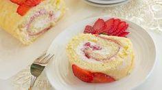 Biskuitroulade mit Erdbeersahne