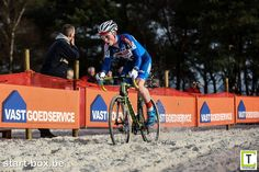Fotoalbum: Zilvermeercross '15 – Junioren | Start-box