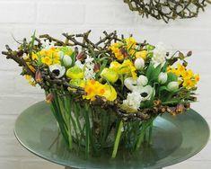 Flower Spirit im Frühjahr  mit Blumengestecken Dekoration 🌻 - Planungswelten www.planungswelten.de