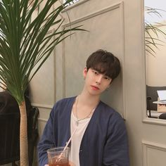 I am happy now☺️ Cute Asian Guys, Cute Korean Boys, Asian Boys, Cute Guys, Korean Boys Ulzzang, Ulzzang Boy, Korean Girl, Korean Style, Beautiful Boys