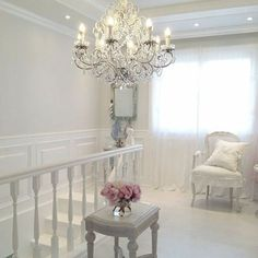 Shabby and Charming: An apartment very shabby chic