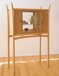 Showcase Cabinet by James Krenov Studio Furniture, Cabinet Furniture, Fine Furniture, Furniture Styles, Furniture Making, Furniture Design, Woodworking Articles, Woodworking Books, Woodworking Furniture