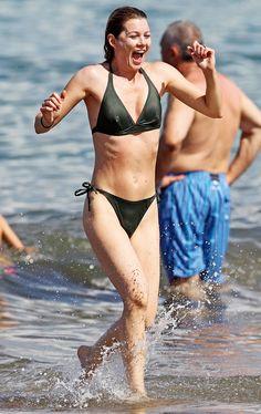 Ellen Pompeo lookin' slim and trim!