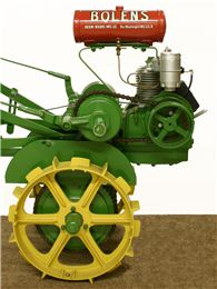 Gravely Mowers 311874342934957313 - Garden tractor Source by anvilbrand Antique Tractors, Vintage Tractors, Vintage Farm, Old John Deere Tractors, Small Tractors, Lawn Tractors, Bolens Tractor, Walk Behind Tractor, Garden Tractor Attachments