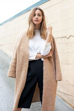 textured camel sweater coat, white sweater & culottes #style #fashion #fallstyle