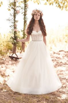 @mikaellabridal Style 2065 Lace and Tulle Wedding Dress. www.mikaellabridal.com #weddingdress #lace #tulle #sweetheart #corset #mohair #beaded #Mikaella #MikaellaBridal