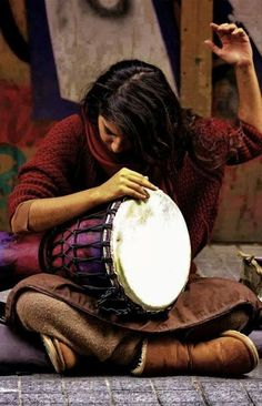 ♪♫ Music ♪♫ Street Performance Some dance to remember, some dance to forget! Sound Of Music, Music Love, Music Is Life, My Music, Drum Music, Street Musician, Hobbies For Women, People Of The World, Gypsy Soul