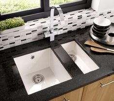 Alone or with the Onyx ceramic sink this large main bowl can be undermounted to a solid surface or inset into a laminate worktop. In gloss white and black. White Undermount Kitchen Sink, Double Kitchen Sink, Kitchen Sink Design, Best Kitchen Designs, Copper Kitchen, Modern Kitchen Design, New Kitchen, Kitchen Sinks, Kitchen Cabinets
