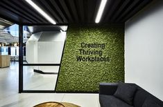 39 Ideas living room ideas green walls plants for 2019 Cool Office Space, Office Space Design, Modern Office Design, Office Interior Design, Modern Offices, Office Designs, Modern Interior, Corporate Interiors, Office Interiors