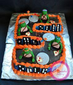https://flic.kr/p/ipyNxf | Teenage Mutant Ninja Turtles Frosting Cake TMNT Cake toppers