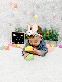 Easter Pictures For Babies, Cute Easter Pictures, Baby Girl Pictures, Baby Boy Photos, Picture Ideas, Photo Ideas, Somebunny Loves You, Monthly Baby Photos, Easter Baby