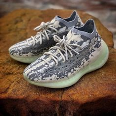 Fashion Yeezy Boost 350 380 500 700 running shoes. Sneakers 2020 autumn and winter trends. Sneakers Fashion, Adidas Fashion, Discount Sneakers, Adidas Sneakers, Shoes Sneakers, Yeezy Shoes, Winter Trends, Yeezy Boost, Streetwear Fashion