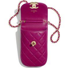 Lambskin Fuchsia Clutch With Chain Best Handbags, Fashion Handbags, Fashion Bags, Diy Phone Bag, Pochette Portable, Chanel Store, Leather Bags Handmade, Cute Bags, Luxury Bags