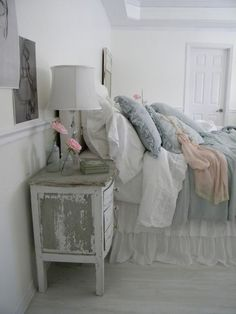 06 greyish shabby chic bedroom - Shelterness