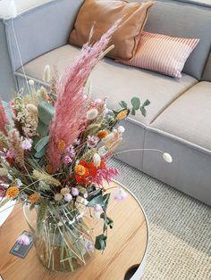 Net als roze in het interieur en prachtige stoffen banken zoals deze.