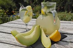 Frissítő limonádé sárgadinnyéből vagy cukordinnyéből Hurricane Glass, Banana, Fruit, Drinks, Tableware, Smoothie, Food, Ideas, Mint